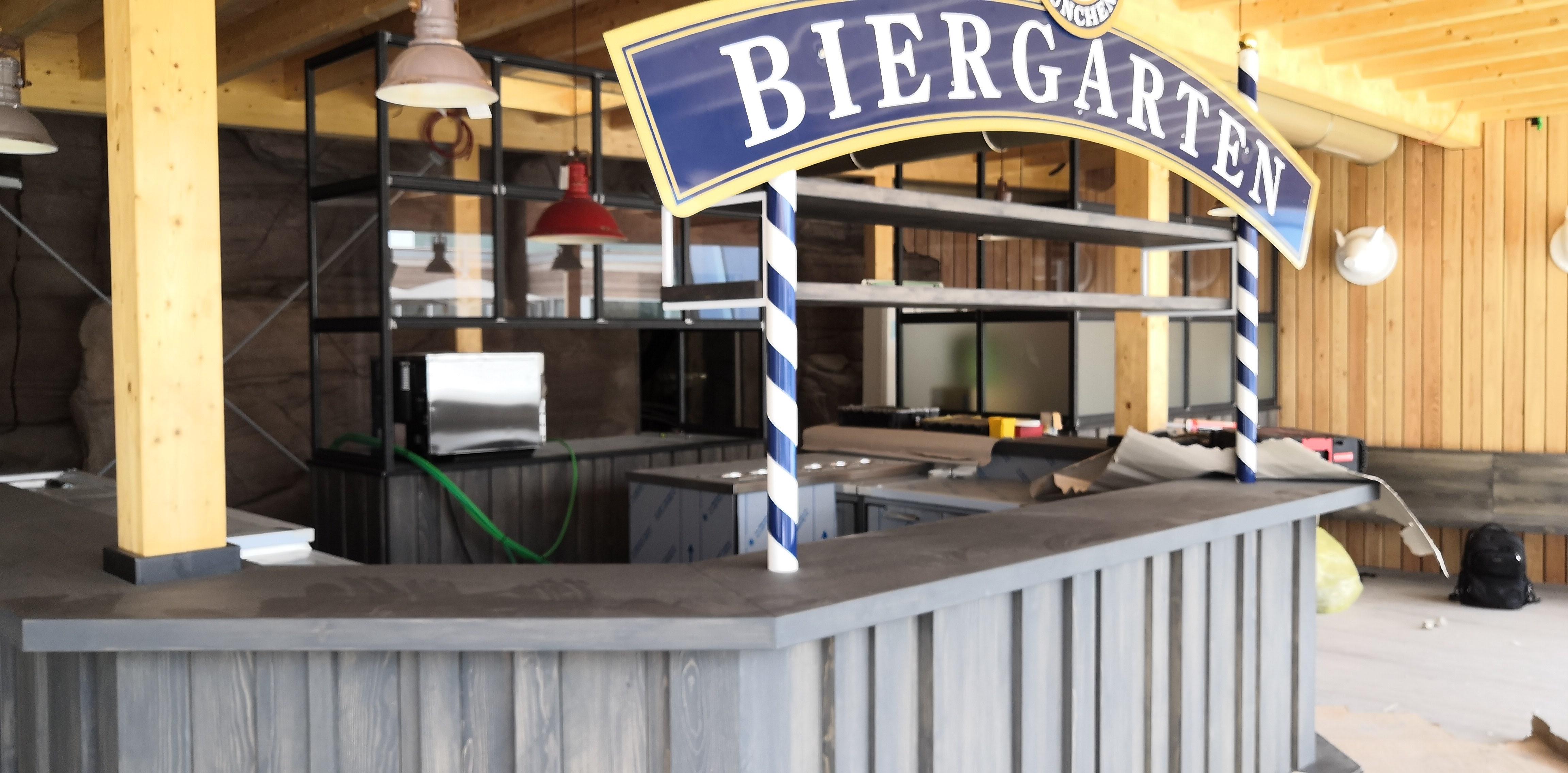 AQUARDENS Biergarten immagine del bancone bar in costruzione